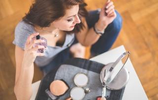 Agencia de Azafatas en Madrid busca azafatas con experiencia en alta perfumería