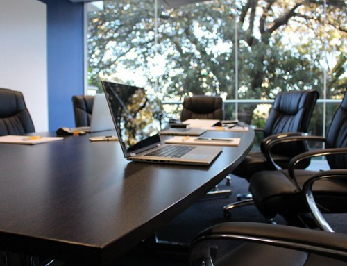 ¿Buscas empresas de promotoras para crecer como profesional?