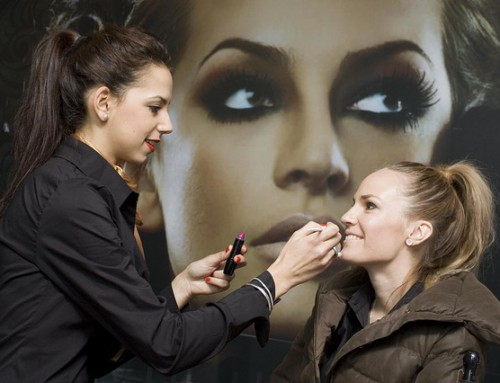 Oferta de empleo urgente: Maquilladores Madrid
