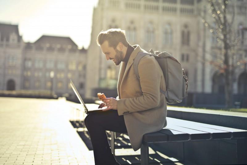 Oferta de empleo para meses de verano en Madrid: Promotores