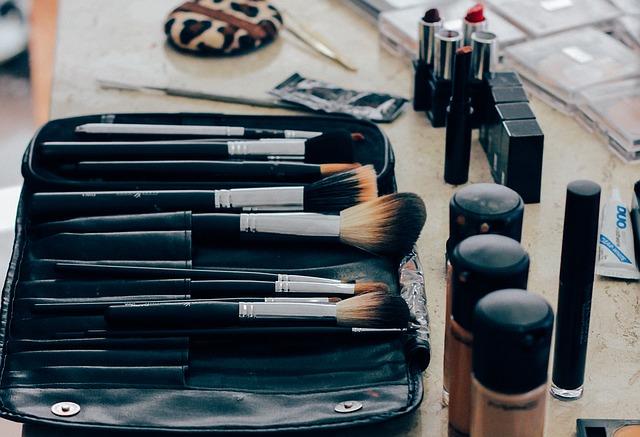Maquilladores/as con Inglés y/o Francés: empleo en Barcelona