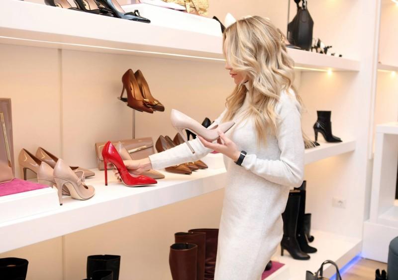 Vendedores de zapatería de lujo en Madrid