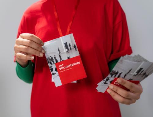 Repartir flyers en eventos y centros comerciales